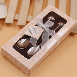 Wholesale Couple Birthday - Delicate couple coffee spoon tableware Creative mini coffee spoon Exquisite gift box hollow heart-shaped dessert spoon Wedding Supplies