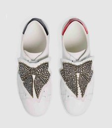 Wholesale leather band beads - 2017 men womens shoes white Genuine cow Leather Rhinestones beads pearl Jewelry knot Butterfly embroidery lace low top Fashion Casual Shoe