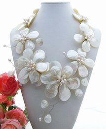 Wholesale Circle Shell - Charming! White Pearl&Shell Flower Necklace
