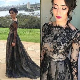 Wholesale Scalloped Strapless Wedding Dress - Vintage Lace Black Mother Of The Bride Dresses With Sleeves Boat Neck Long Sleeve Formal Evening Dress Wedding Party Gowns