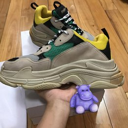 Wholesale Vintage Shoe Laces - 2017 Triple S Men and Women Retro Boots Vintage Running Shoes Mens Shoes Top Quality of Fashion Boots Sports Sneakers Woman's Sport Boost
