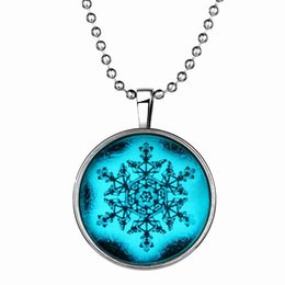 Wholesale Snow White Plates - 2017 new long chain Christmas snow Pendant Necklace Women Gypsy Vintage Collar Statement Silver Plated night glowing Necklace Fashion Gift