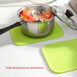 Wholesale Resistance Large - Large High temperature resistance Anti - slip Silicone Pads Kitchen anti-hot Insulation mat Pad Tableware anti-skid water 29.5*23.8cm.