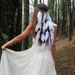 2019 blaue perlengirlande Böhmische weiße Feder Hochzeit Stirnband Gypsy indischen Hippie-Haar-Accessoires Frauen Mädchen Pfauenfeder Haarband