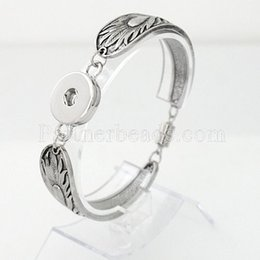 Wholesale Silver Tone Jewelry Box - Wholesale-Bracelet Jewelry Snap Bracelet Pulsera Fit Ginger Snap Button Carve Flower Magnetic Tube Bar Clasp Antique Silver Tone KB0292