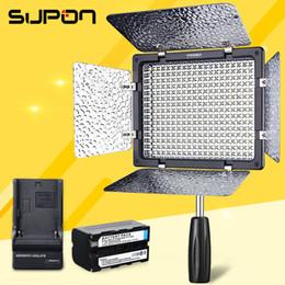 All'ingrosso YONGNUO YN300 III YN-300III LED video luce della fotocamera può Nik Olym + 1 * NP-F750 batteria cheap yongnuo led da yongnuo ha portato fornitori