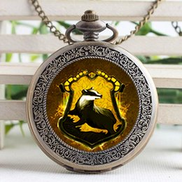 Wholesale Silver Quartz Pocket Watch - Pocket Watch-Vintage Glass Cabochon Hufflepuff Pendant Victorian Hogwarts Watch With Chain Gift For Him