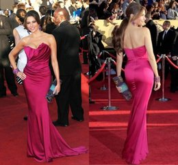 Wholesale Dresse Celebrity - Sofia Vergara Evening Dresses 2017 Red Carpet Celebrity Dresses Mermaid Sexy Strapless Backless Pleat Cheap Purple Bridesmaid Pageant Dresse