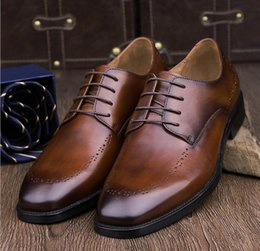 Wholesale Chocolate Careers - 2017 New Men Groom dress shoes Fashion British style Genuine Leather Business Casual Breathable Shallow shoes Cowhide Formal Retro Shoes