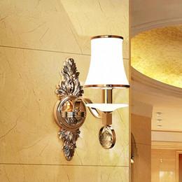 Argentina Simple estilo europeo hotel lámpara de noche pasillo pasillo doble cabezal lámpara de pared LED vidrio interior cálido dormitorio lámpara de pared por mayor cheap double bedside lamp Suministro