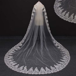 Wholesale mantilla cathedral length veil - 2017 Real Photos Single Layer Mantilla Lace Edge Gorgeous Wedding Veils White Ivory Vintage Style Bridal Veil NV7080