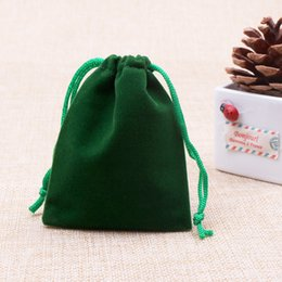 Wholesale Small Velvet Jewelry Pouches - New arrive gift bags hot sale 7*9cm small velvet bags christmas wedding gift jewelry packaging display pouches drawstring bags green color