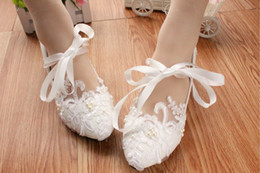 Wholesale Ankle Lace Up Ballet Flats - Lace Wedding Shoes Ballerina Flat Ankle Tie Ribbon Bow Lovely Pearl Lace Flower Embroidery Bridesmaid Shoes