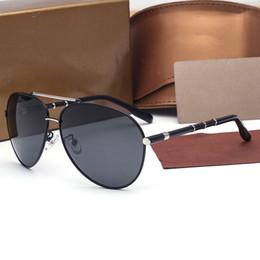 Wholesale Gift Box Sunglasses - 2017 New Fashion High Quality Polarized Sunglasses for Men Women Designer Gradient Lens Driving Sun Glasses UV400 gift Box