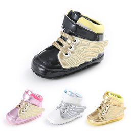 Wholesale Newborn Baby Shoes For Girls - Newborns Baby anti-skip pu soft sole shoes Infants first walking shoes Shiny embroidery 3D WINGS prewalker for boys girls 4colors 3sizes