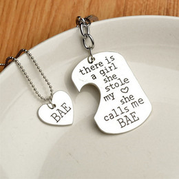Wholesale Chrismas Tin - Fathers mothers chrismas day gift Key Rings There is this girl she Stole my heart she calls me DADDY mommy Heart Pendant necklaces NE323