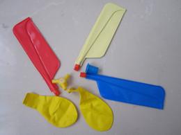 kazoo en plastique Promotion Haute qulitiy 100pcs hélicoptère ballon / ballon jouet / enfants jouet / auto-combinés ballons hélicoptère cadeaux de Noël enfants