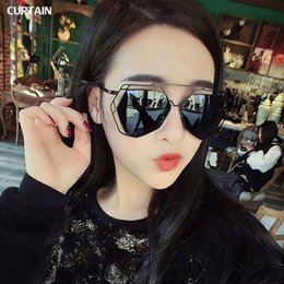 Wholesale Luxury Curtains - Wholesale-CURTAIN 2016 Fashion Sunglasses Women Luxury Cat Eye Sunglasses Famous Lady Brand Designer Sun glasses. 5100