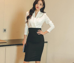 Wholesale Korean Wear Spring - 2017 spring Korean version of the new ladies temperament black and white spell color long sleeve Slim package hip OL dress