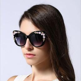 Wholesale Pearl Frame Round - 2017 Luxury Polarized Sunglasses Women Diamond Pearl Shades Brand Design Fashion Oval Style Sun Glasses UV400 Gafas