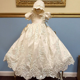 Baptême Bébés Filles Robe De Toute Taille Blanc Dentelle Ivoire Tulle Cathédrale Robe De Baptême Avec Bonnet ? partir de fabricateur