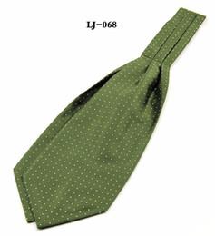 nouveautés Promotion 2018 Nouvelle Arrivée Vente Chaude Ascot Cravate Une Taille Nouveauté Actif Cravate Vert Foncé Ascot Cravat Hommes Paisley Polka Dots Cou Écharpe Jacquard Auto