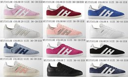Wholesale Women Suede Leather Shoes - New Top Quality 2017 Men Women Casual Suede Leather Gazelle White Pink Black Grey Red Yellow Green Lightweight OG Classic Shoes