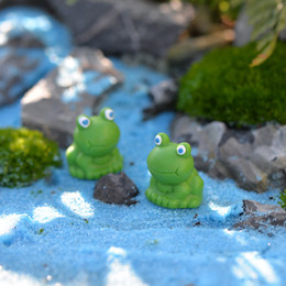 Wholesale Fairy Figurines - 10pcs mini Blue eyes frog terrarium figurines fairy garden miniatures miniaturas para mini jardins resin craft bonsai home decor