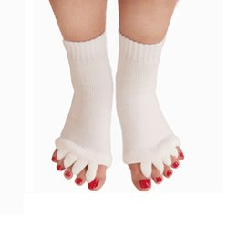 Wholesale Finger Pain - Massage Five Toe Socks Fingers Separator Comfy Toes Sleeping Socks Foot Alignment Pain Relief Socks 10 Colors Free Shipping ZA2430