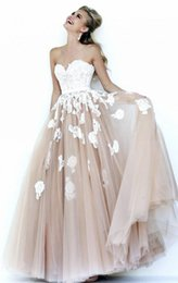 Wholesale Embellished Strapless Sweetheart Gown - pageant dresse evening wear 2017 with appliques beaded,sweetheart neckline;Tulle Embellished lace covers the bodice and fades down ball gown
