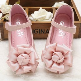 Wholesale Shoes For Dresses Girls - Baby Girls Leather Shoes 2017 Spring Kids Girls Shoes Casual Beautiful Flower Infant Sandals For Princess Girl Flat Dress Shoes S715