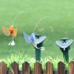 Wholesale Solar Powered Plants - Creative Solar Hummingbird Powered Dancing Flying Fluttering Butterflies Simulation Garden Craft Decoration For Multi Color 9ll C R
