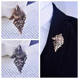 Wholesale Suit Badges - Wholesale- Broche Men Rushed Pin Mary Kay Brooches 2017 New Suit Badge Retro British Domineering Personality Wolf Totem Head Brooch Badges