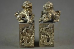 2019 estátua de prata dragão chinês Um par de requintado velho chinês miao prata estátua esculpida dragão sorte kirin selos desconto estátua de prata dragão chinês