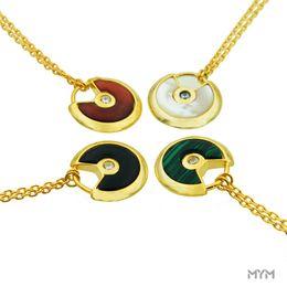 Piedras de ágata online-Classic Simple love Collares Colgantes para mujer Titanium Steel Amulet de piedra natural collar rojo con 18K shell Agate Necklace men
