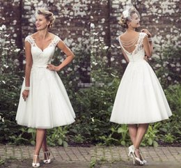 Wholesale Model Pearl - Summer 2016 Short Wedding Dresses A-Line Knee Length Tulle V Neck Cap Sleeve Pearls 1950's Vintage Garden Beach Wedding Lace Bridal Gowns