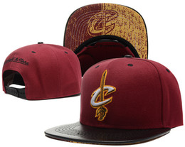 Wholesale Fall Ball Baseball - NEW 2017 SnapBack Cleveland CAVS Locker Room Official Hat Adjustable men women Baseball Cap