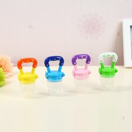 Wholesale Milk Nipple - 4 Colors Safe Baby Pacifier Bottles Nipple Teat Baby Pacifier Clip Attache Sucette Kids Fresh Milk Nibbler Food Feeder S M L
