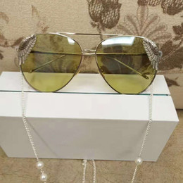 Wholesale Europe Star Round Sunglasses - High Quality With Big Stars In Europe And America Tide Brand Catwalks Sunglasses Spray Clouds Butterfly Wings Sunglasses
