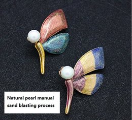 Wholesale Butterfly Process - Natural pearl manual sand blasting process color butterfly brooches pins scarves buckle