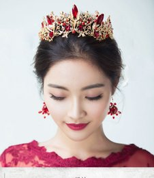 Wholesale Retro Bridal Hair - Red Color Bridal Wedding Hair Accessory 2 Sets Crystal Retro Style Queen Wedding Hair Earring Accessory Bridal Jewelry