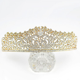 Wholesale High End Crowns Tiaras - New high-end shining Tiara wedding wedding bride hair accessories Rhine stone alloy Golden Crown Princess Birthday Party jewelry photography