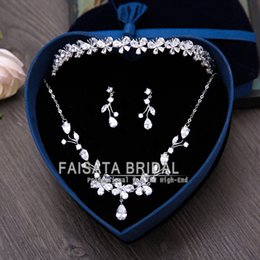 Wholesale Tire Key Chains - 3pcs set Bridal Jewelry Wedding Veil Crystal Crown Pageant Tiara Headpiece Marriage Tire Chain Necklace Earrings Wedding Dress Accessories