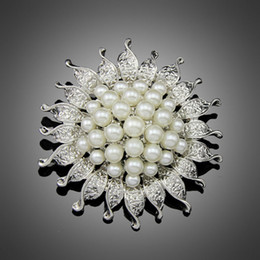 Wholesale Brooch Cheapest - Wholesale- Cheapest High Quality Silver Color Flower Five Cream Full White Simulated Pearl Brooch Bouquet for Wedding