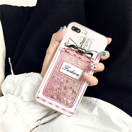 Lüks Parfüm Şişesi Durumlarda Quicksand Dinamik Sıvı Glitter Coque Telefon Kılıfları iPhone 6 6 s Artı 6 sPlus 7 7 Artı Moda Kapak cheap liquid bottle phone case nereden sıvı şişe telefon kutusu tedarikçiler
