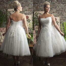 Wholesale Gorgeous Casual Dresses - Gorgeous Plus Size Tea Length Dresses A Line Short Casual Beach Garden Wedding Dress Bridal Gowns Strapless Lace Appliques Brides Wear