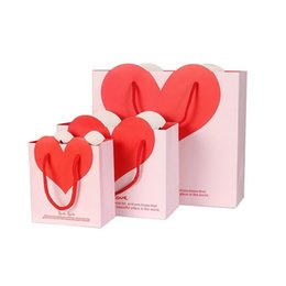 Wholesale Handle Wedding Paper Bag - Lovely Heart Paper Gift Bag Goodie Gift Bags With Handle Baby Shower Party Wedding Valentine's Day Decoration ZA1874