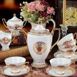 Conjunto de chá de porcelana europeia on-line-2017 Porcelana Clássica 15 pcs Europeu Decalque De Ouro Novo Osso china Caneca De Cerâmica Europeia xícara De Café Pires Chá Conjuntos de Chá Potenciômetro Jarro Drinkware