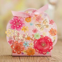 Wholesale Pink Sweet Boxes For Weddings - 30pcs lot Elegant Pink Luxury Wedding Candy Box Butterfly Flower Laser Cut Party Favors Sweet Paper Bag For Guests Event Decor