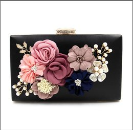 Wholesale Linen Evening Handbags - 2017 New Flowers Dinner bag Glass Beads Embroidery Handbag Diamond package pearl Evening bag Fashion Wedding Party Lady bags